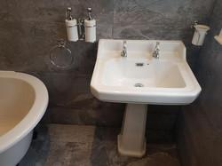 Bathroom (31).jpg