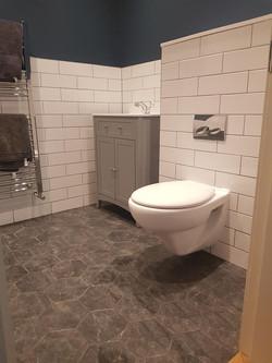 Bathroom (20).jpg