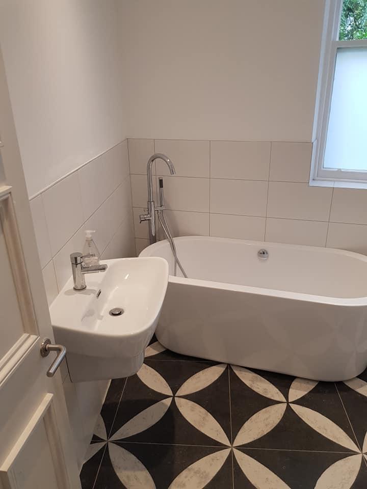 Bathroom (15).jpg