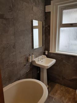Bathroom (27).jpg