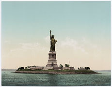 Statue of Liberty in 1900.jpg