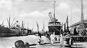 Bombay Victoria Harbour in 1900