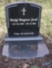 Helgi Ragnar Juul, gravsteinur, gravsteinar, gravsten, gravestone, føroysk framleiðsla, føroyskt, føroyar, faroe islands, fgv, føroya grótvirki, north atlantic basalt, basaltart, basalt, stone, rock, skopun