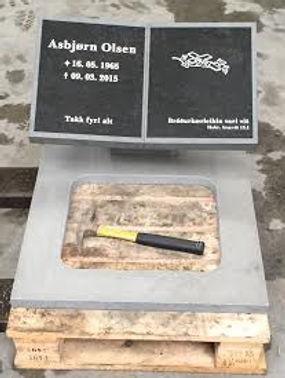 Asbjørn Olsen, gravsteinur, gravsteinar, gravsten, gravestone, føroysk framleiðsla, føroyskt, føroyar, faroe islands, fgv, føroya grótvirki, north atlantic basalt, basaltart, basalt, stone, rock, skopun