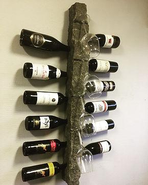 Vín, wine, føroyar, faroe islands, basalt, stone, gift, giftidea, gáva, fløska, vínfløska, fgv, føroya grótvirki, north atlantic basalt