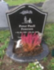 Petur Pauli Petersen, gravsteinur, gravsteinar, gravsten, gravestone, føroysk framleiðsla, føroyskt, føroyar, faroe islands, fgv, føroya grótvirki, north atlantic basalt, basaltart, basalt, stone, rock, skopun