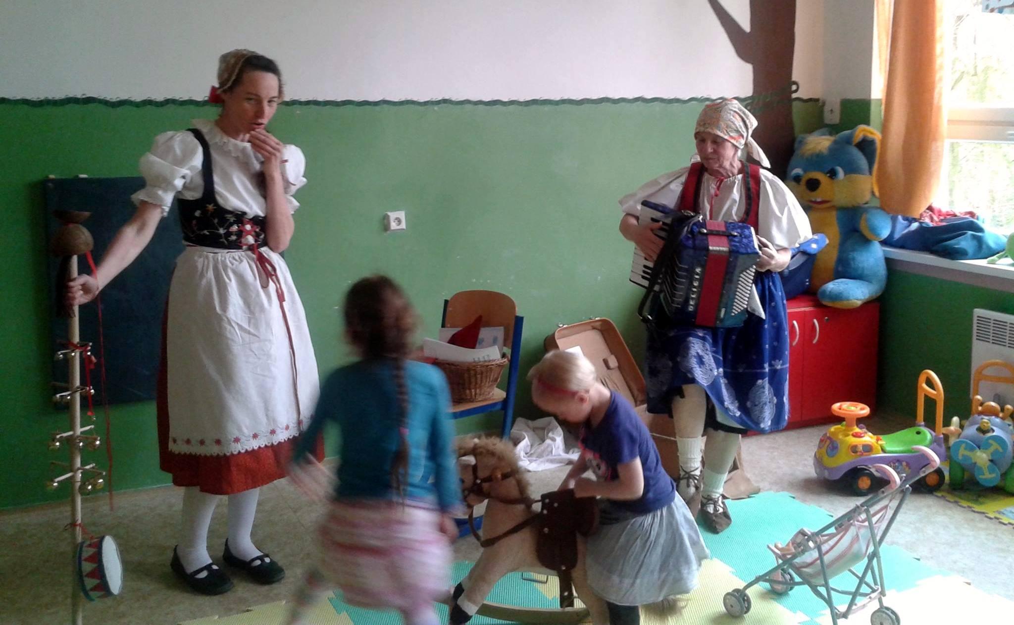 Folklorní prozpěvovánky