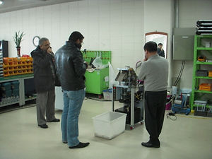 Buyer testing rice cake machine
