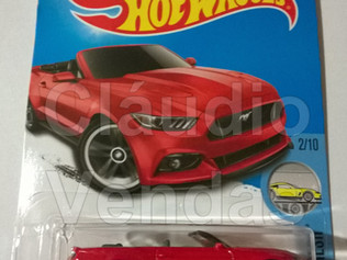 Carrinho 2015 Ford Mustang GT Convertible - Hot Wheels