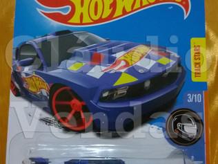 Custom '12 Ford Mustang - Hot Wheels