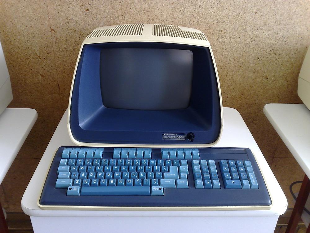 Computador Pessoal Antigo