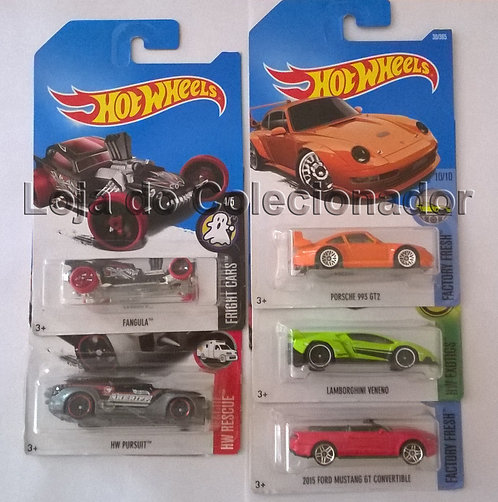 Lote com 5 Carrinhos Hot Wheels