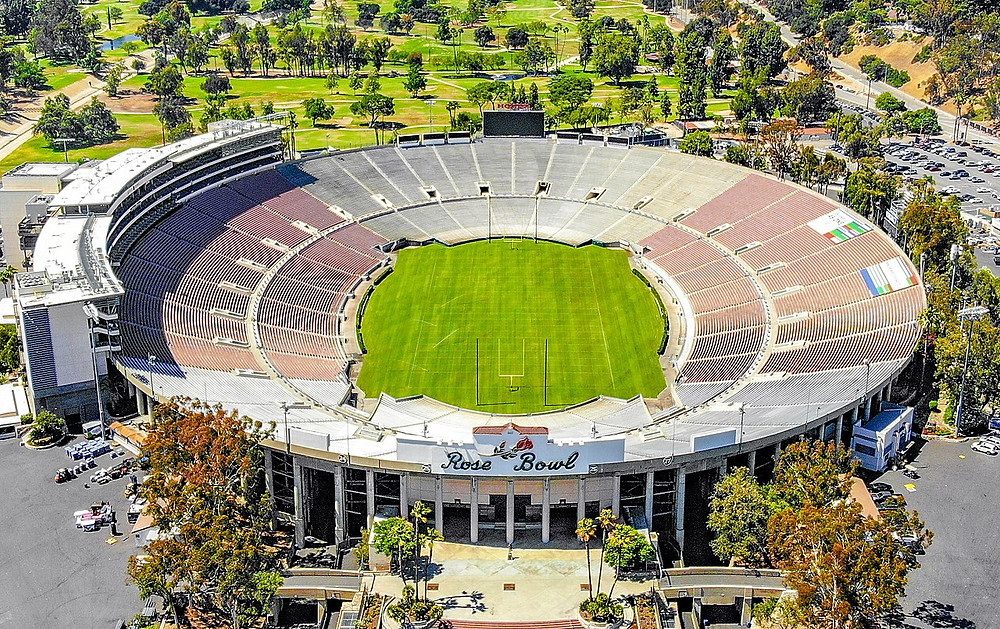 Por Ted Eytan from Washington, DC, USA - 2018.06.17 Over the Rose Bowl, Pasadena, CA USA 0039, CC BY-SA 2.0, https://commons.wikimedia.org/w/index.php?curid=70083195