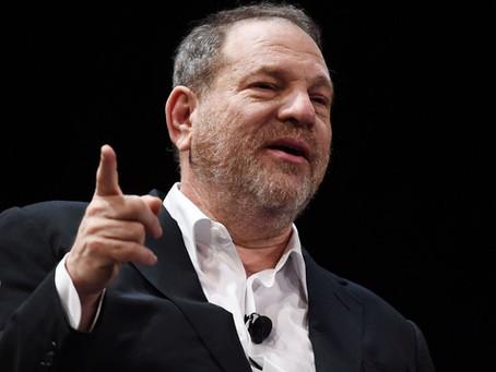 Six mois après, la pression monte pour inculper Harvey Weinstein