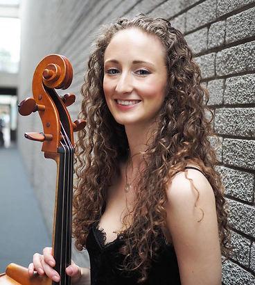 Ellie Winter, Cellist