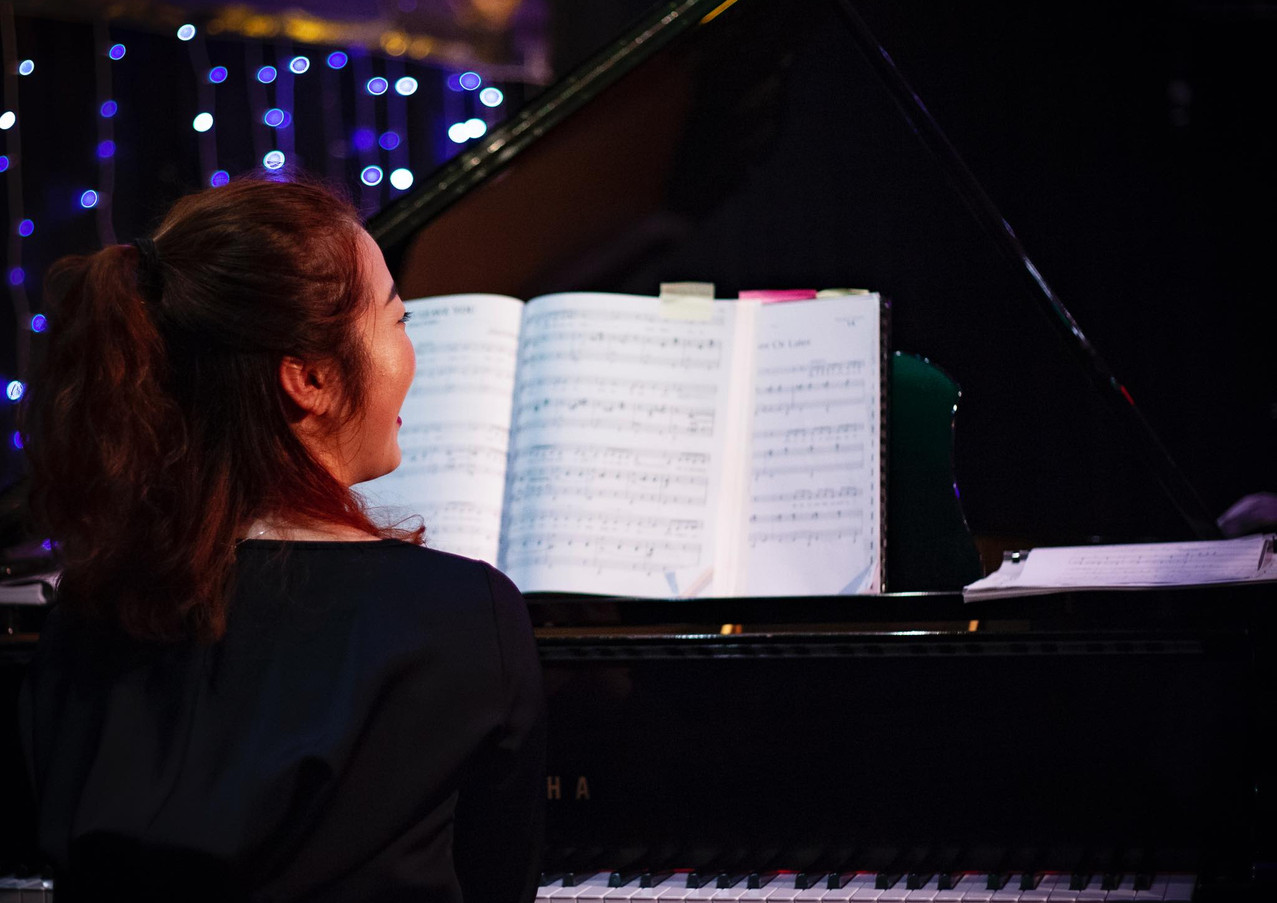 Gemma Lee, pianist, at the Auckland Jazz & Blues Club.