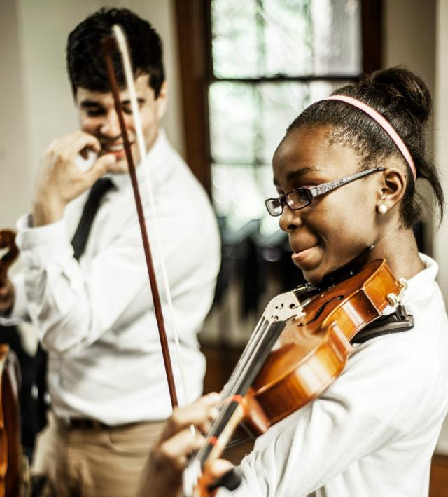 Working with AMP Academy violinist Gabrielle at the Atlanta Music Project in 2013