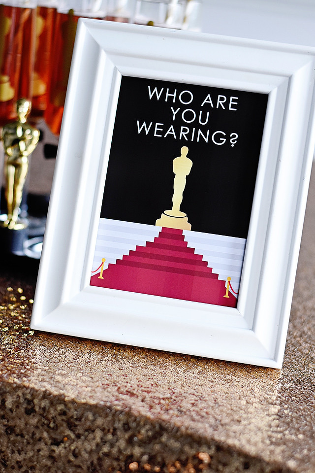 Who are you wearing? Printable Sign