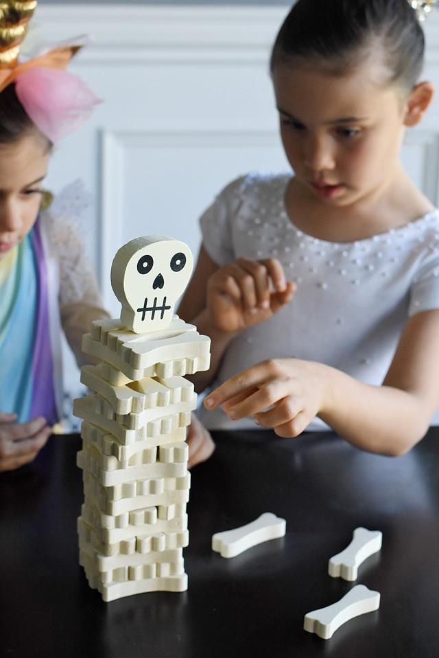 Skeleton Jenga!