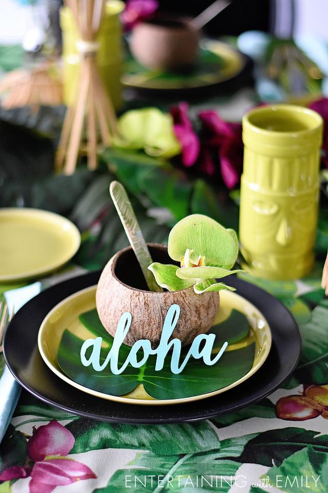 Aloha!  It's a Luau Tablescape Challenge!