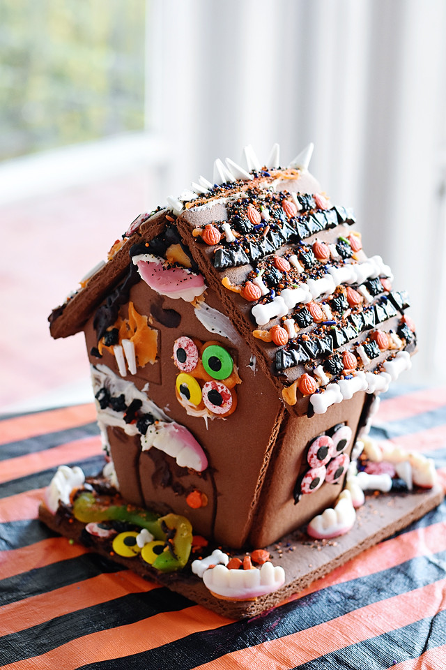 Haunted Halloween Gingerbread House!