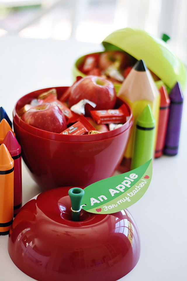 An Apple for the Teacher!  A new take on an old gift idea!