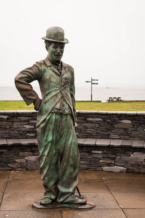 Statue de Charlie Chaplin à Waterville en Irlande