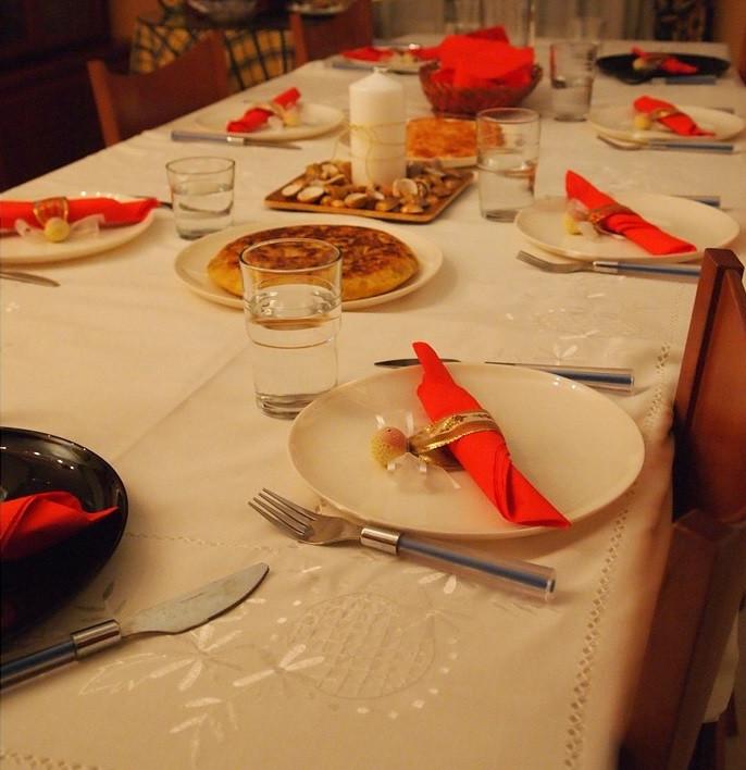 Table préparée pour un Joulupöytä de Finlande