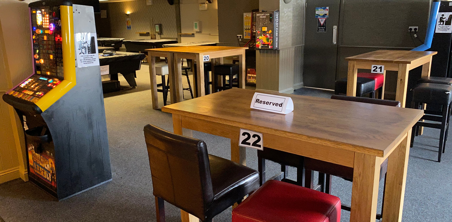 Lounge tables 20, 21 & 22