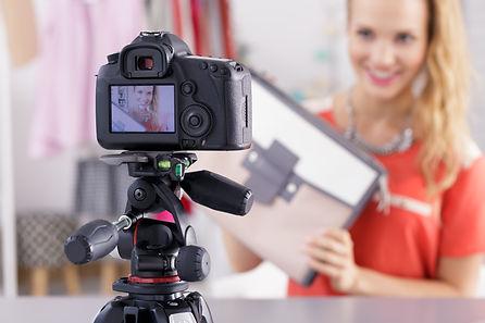 showing-shopping-on-a-video-PNRM5XG.jpg