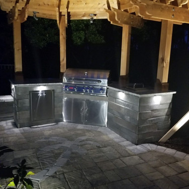 Outdoor kitchen with lights
