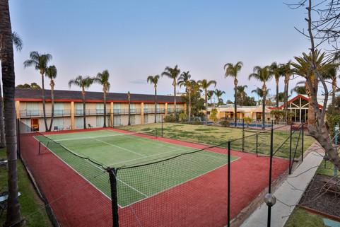 Full size tennis court at Mildura Inlander Resort