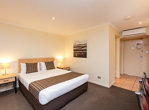 Superior Queen Room at Mildura Inlander Resort