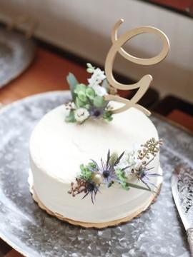 Gillespie Cake Decor