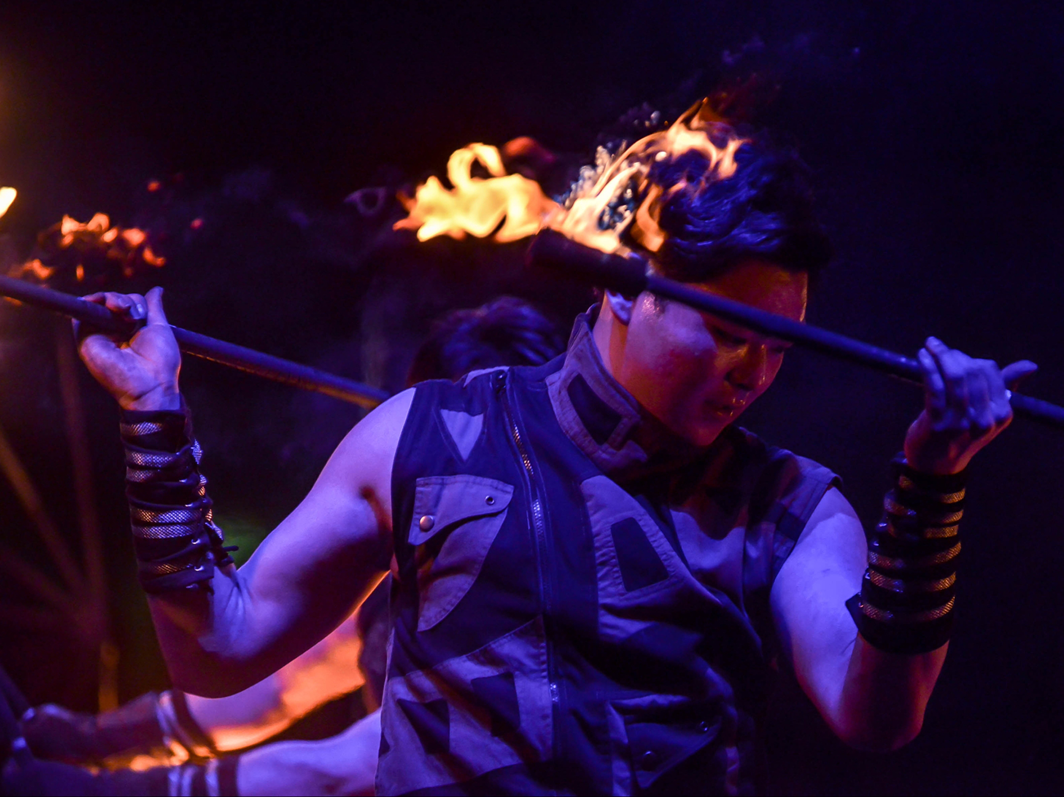 Fire Arts_Flaming Fire team_hunyflow (1)_1