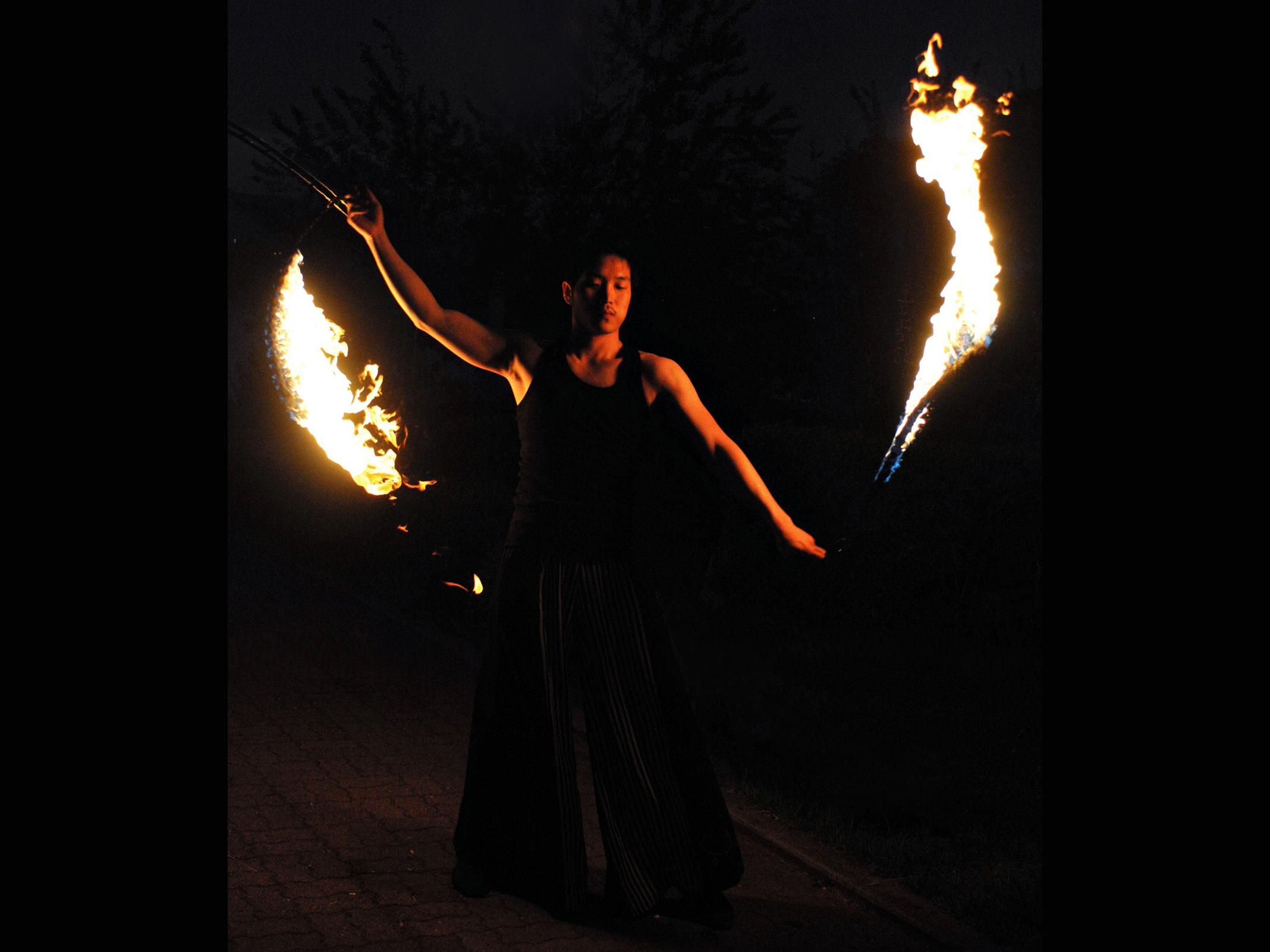 Fire Arts_Flaming Fire team_mr hot (3)