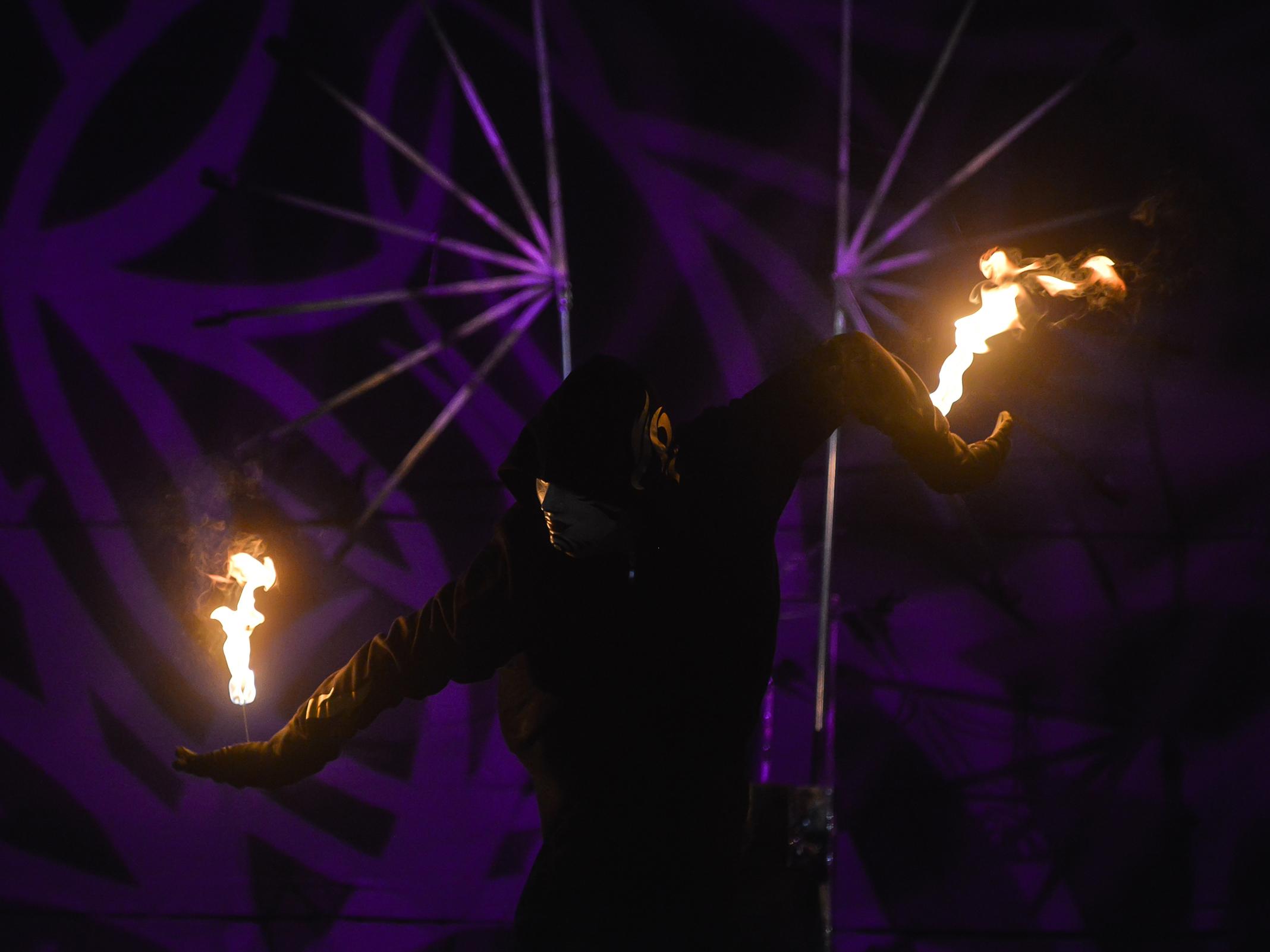 Fire Arts_Flaming Fire team_leeroy (1)