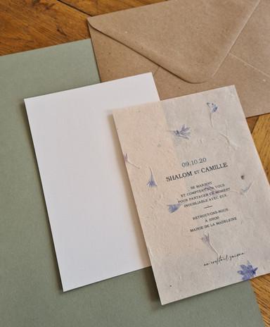 Faire-part mariage vert olive papier artisanal fleurs séchées