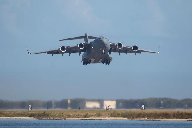 C-17 taking off.jpg