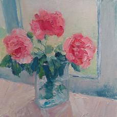 Мамині троянди на київському підвіконні