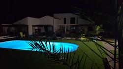 le soir au bord du bassin