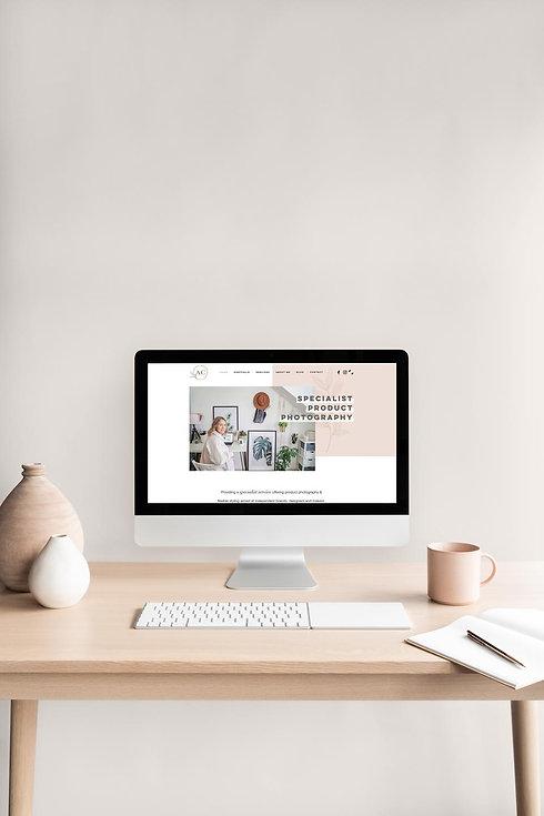 minimal-desk-website-homepage-design-mac