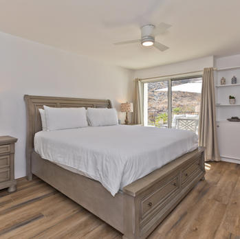 Bedroom 6: King