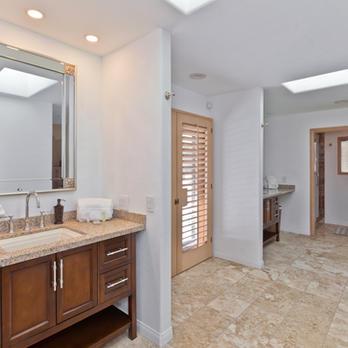 Bathroom (Access to Backyard)