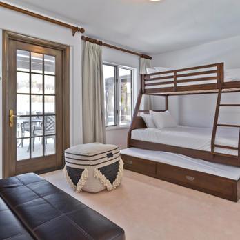 Bedroom 4: Bunk Beds + Futon