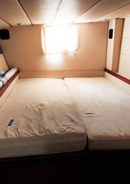 Starboard_aft_cabin.jpg