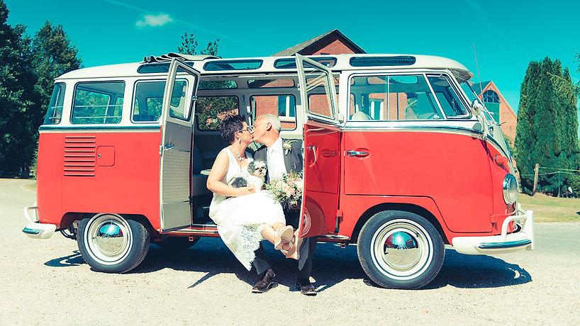 Hochzeit-im-Bulli.jpg