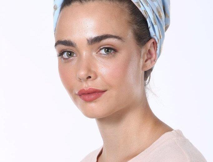 Knot Turban - Silky Light Blue Feathers