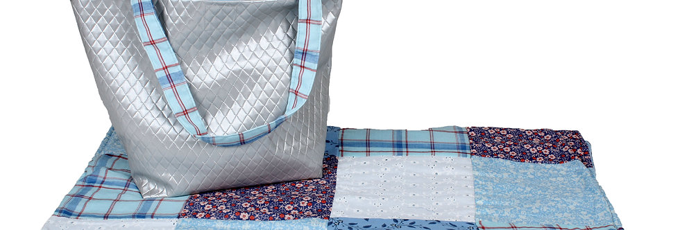Quilted baby blanket - Silver/ Light Blue