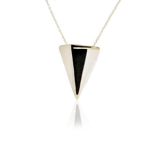 Colar Poder Triangular
